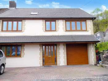 6 Bedrooms Semi Detached House for sale in Neath Road, MAESTEG, Mid Glamorgan