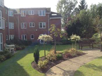 1 Bedroom Flat for sale in Henbury Court, Kiln Lane, Eccleston, St Helens. WA10 4RA