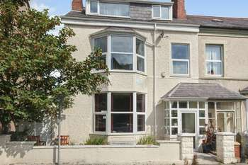 4 Bedrooms Semi Detached House for sale in Caroline Road, Llandudno, LL30