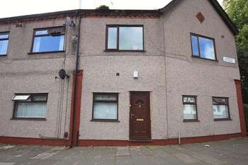 2 Bedrooms Flat for sale in Garston Old Road, Garston, Liverpool, L19