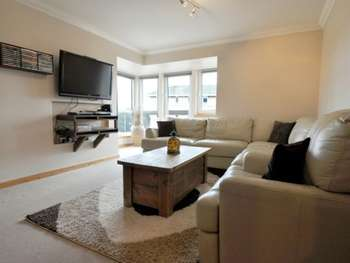2 Bedrooms Flat for sale in Swift Brae, Livingston, West Lothian, EH54 6GY