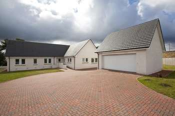 5 Bedrooms Bungalow for sale in Bridgend, Symington, South Lanarkshire, ML12 6LG