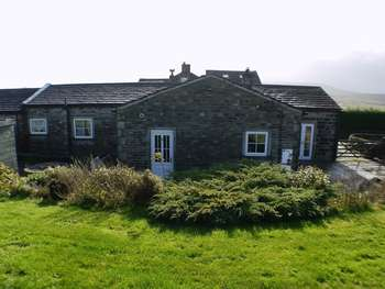 3 Bedrooms Semi Detached Bungalow for sale in WELL COTTAGE, BLACK MOOR ROAD, OXENHOPE