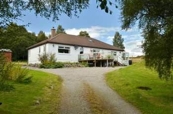 3 Bedrooms Bungalow for sale in Errogie, Inverness, Highland, IV2 6UH