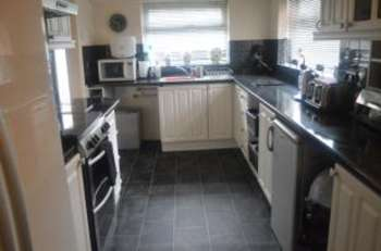 5 Bedrooms Detached House for sale in Parkstone Drive, Swinton, Manchester, Greater Manchester