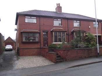 3 Bedrooms Semi Detached House for sale in Shore Road, Littleborough