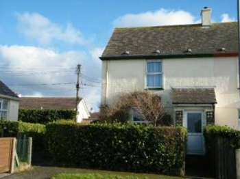 2 Bedrooms End Of Terrace House for sale in Sennen, Penzance