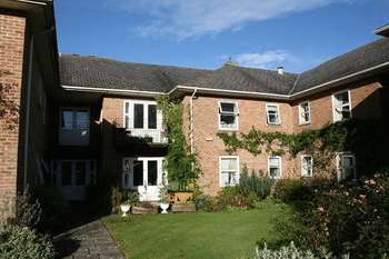 1 Bedroom Flat for sale in Sedgehill, Shaftesbury