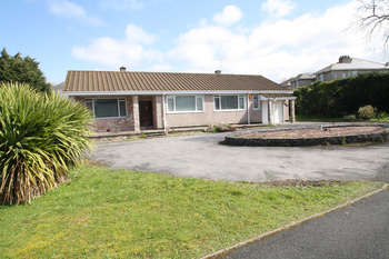 3 Bedrooms Detached Bungalow for sale in Beechcroft, Horn Lane.