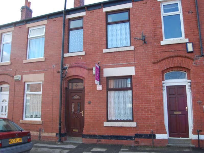 3 Bedrooms Terraced House for sale in Ivor street, Castleton, Rochdale, OL11 3JA