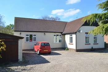 5 Bedrooms Detached Bungalow for sale in Northfield Road, Messingham, Scunthorpe