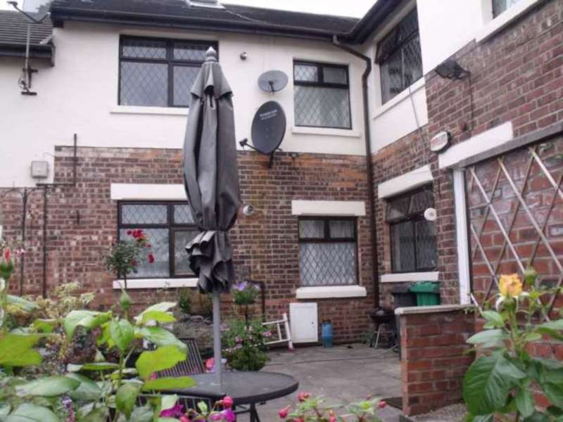 1 Bedroom Apartment Flat for sale in Wellmead Close, Waterloo Park, Manchester