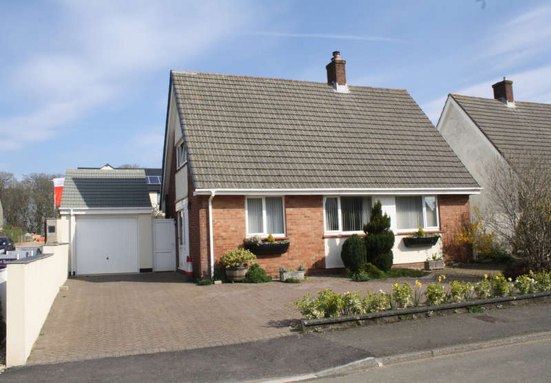 3 Bedrooms Detached House for sale in Springfield Close, Elburton