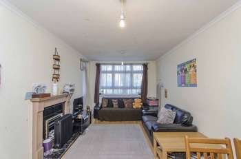 1 Bedroom Flat for sale in Rosefield Gardens, London, E14