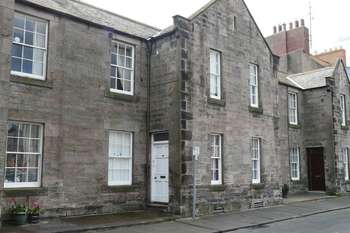 2 Bedrooms Terraced House for sale in Parade, Berwick-Upon-Tweed