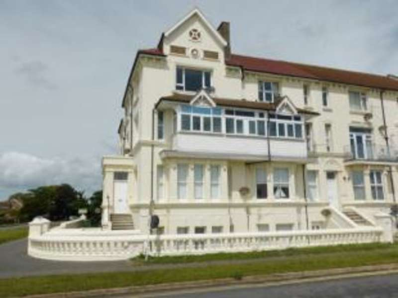 2 Bedrooms Flat for sale in Littlestone House, Marine Parade, Littlestone, New Romney
