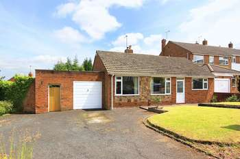 2 Bedrooms Detached Bungalow for sale in PENN, Lea Manor Drive
