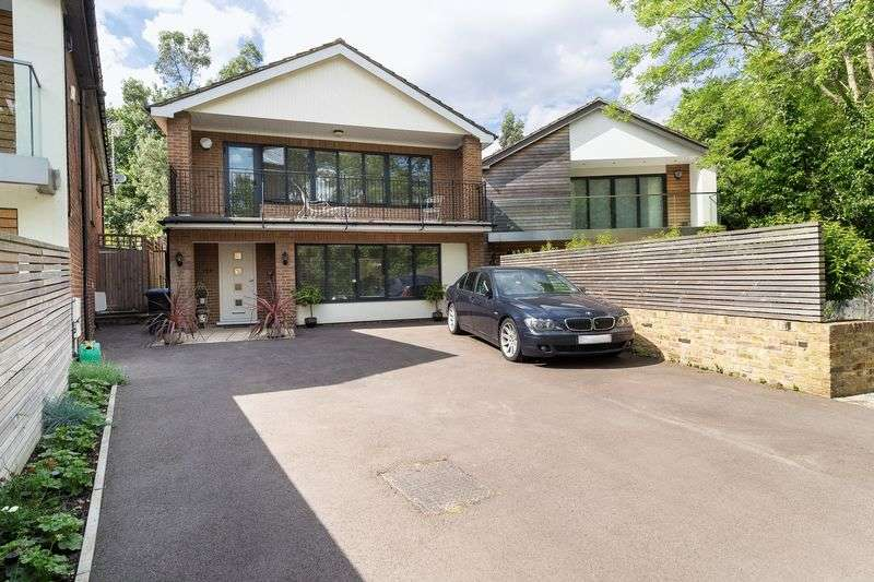 5 Bedrooms Detached House for sale in Winchmore Hill, London N21