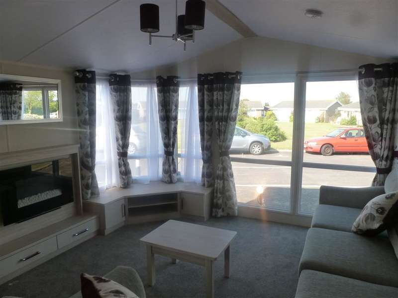 2 Bedrooms Park Home Mobile Home for sale in Reach Road, St. Margarets-At-Cliffe, Dover, Kent