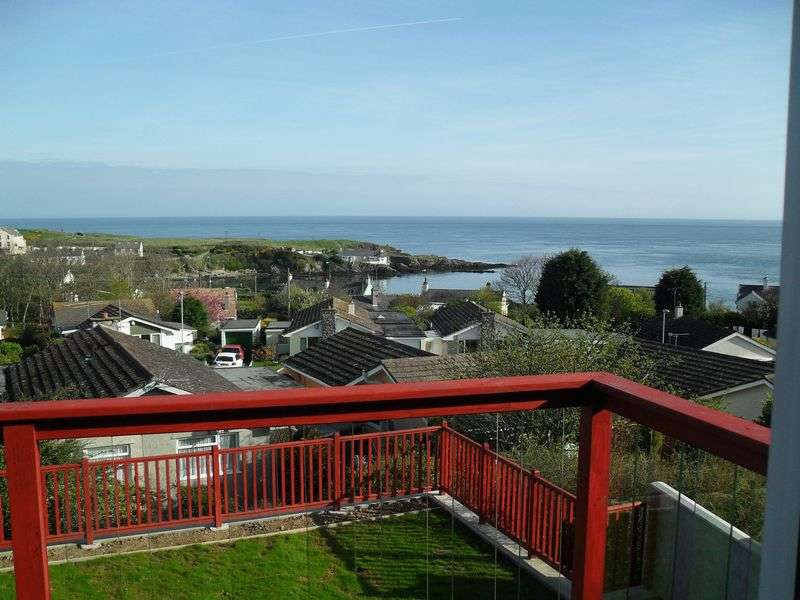 4 Bedrooms Detached House for sale in Bull Bay, Anglesey