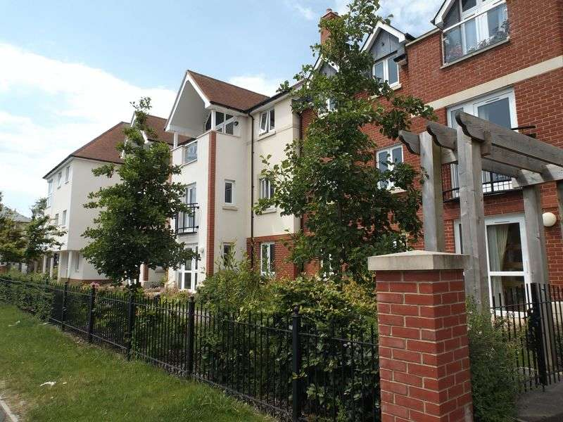 1 Bedroom Flat for sale in Farringford Court, Avenue Road **OWN PATIO**