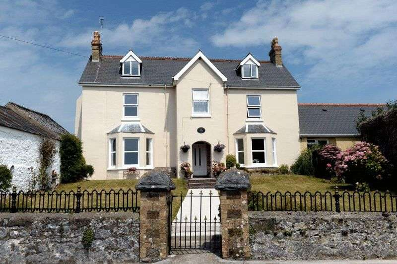 8 Bedrooms Detached House for sale in Llanteg, Narberth