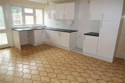 3 Bedrooms House for rent in Barstable East, Basildon