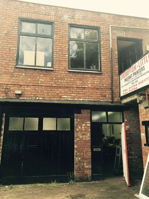 Property for sale in Linaker Street, Southport
