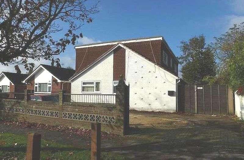 5 Bedrooms Detached Bungalow for sale in Hazleton Way, Waterlooville