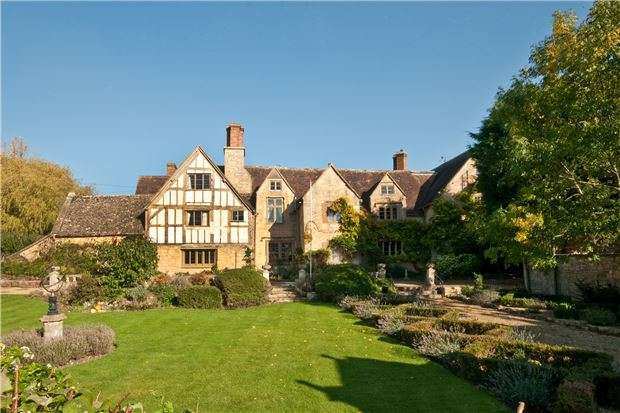 8 Bedrooms Detached House for sale in Bredon's Norton, Gloucestershire GL20 7EZ