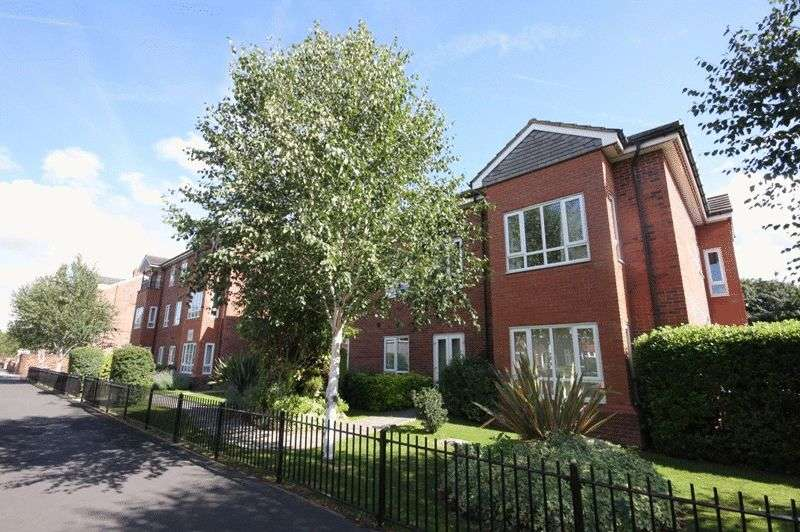 2 Bedrooms Flat for sale in Derbyshire Road South, Sale