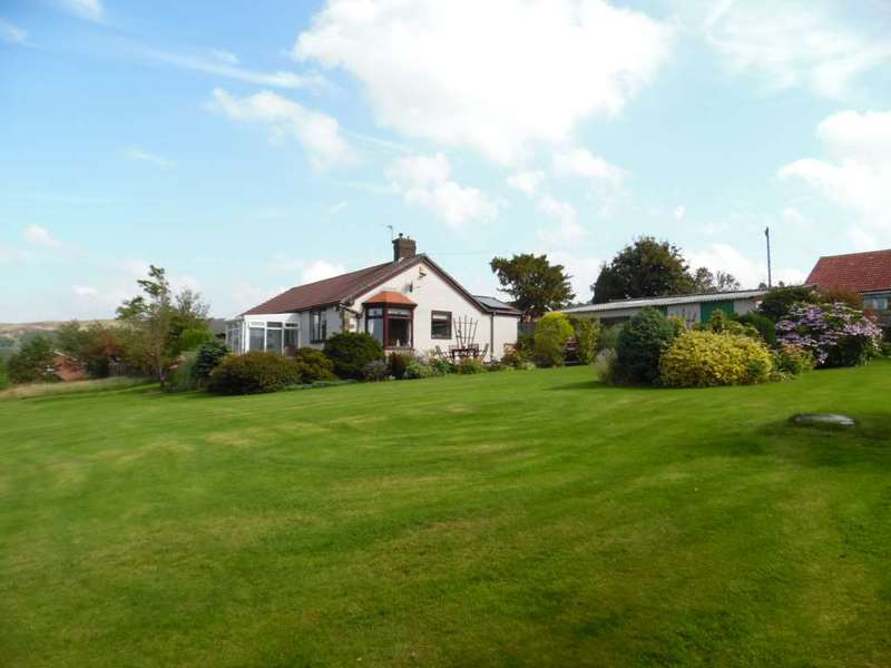 3 Bedrooms Detached Bungalow for sale in Grains Road, Shaw