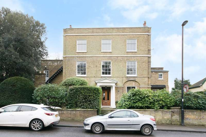 2 Bedrooms Flat for sale in Forty Hill, Forty Hill, EN2