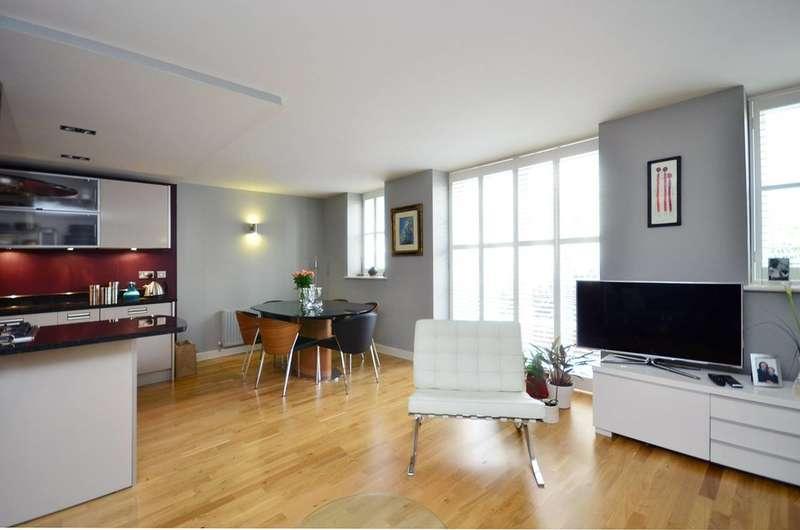 3 Bedrooms Maisonette Flat for rent in Hertford Road, De Beauvoir Town, N1