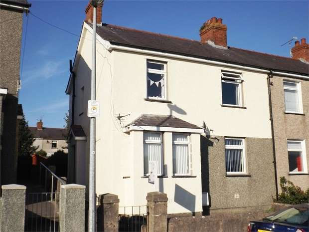 3 Bedrooms Semi Detached House for sale in Y Glyn, Caernarfon, Gwynedd