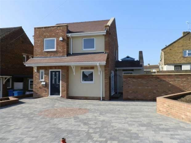 3 Bedrooms Detached House for sale in Homewood Avenue, SITTINGBOURNE, Kent
