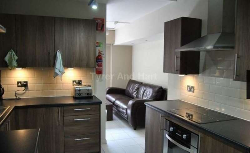 18 Bedrooms House Share for rent in ENSUITE SINGLE STUDENT/ PROFESSIONAL ROOMS IN CITY CENTRE, Pall Mall, Liverpool L3