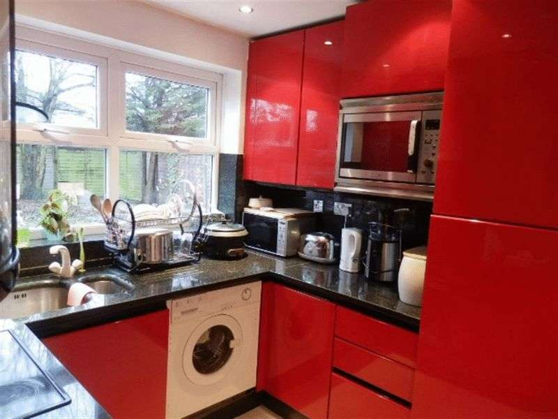 5 Bedrooms Detached House for sale in Hamonde Close, EDGWARE, Middlesex, HA8 8TG