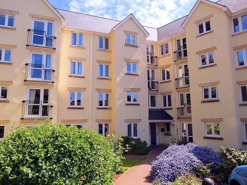1 Bedroom Retirement Property for sale in Carlton Court, Minehead, TA24 5PL