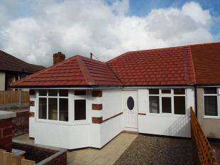 3 Bedrooms Bungalow for sale in Park Drive, Carmel, Holywell, Flintshire, CH8