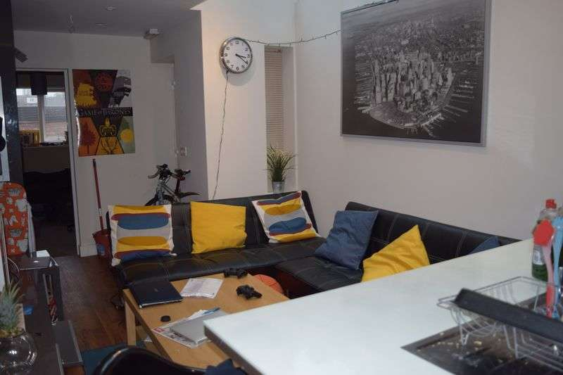 6 Bedrooms Terraced House for rent in 6 Bed, 3 Shower Rooms - Students @ 112PPPW Inc ALL Bills