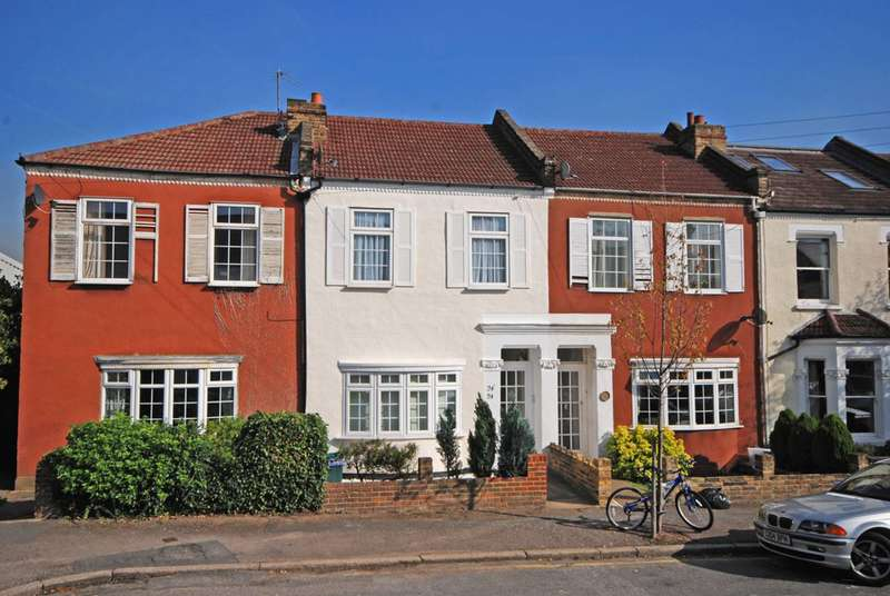 1 Bedroom Flat for sale in Caroline Road, Wimbledon, SW19