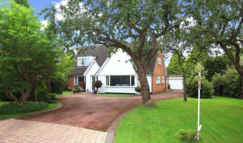 4 Bedrooms Detached House for sale in PATTINGHAM, Great Moor Road