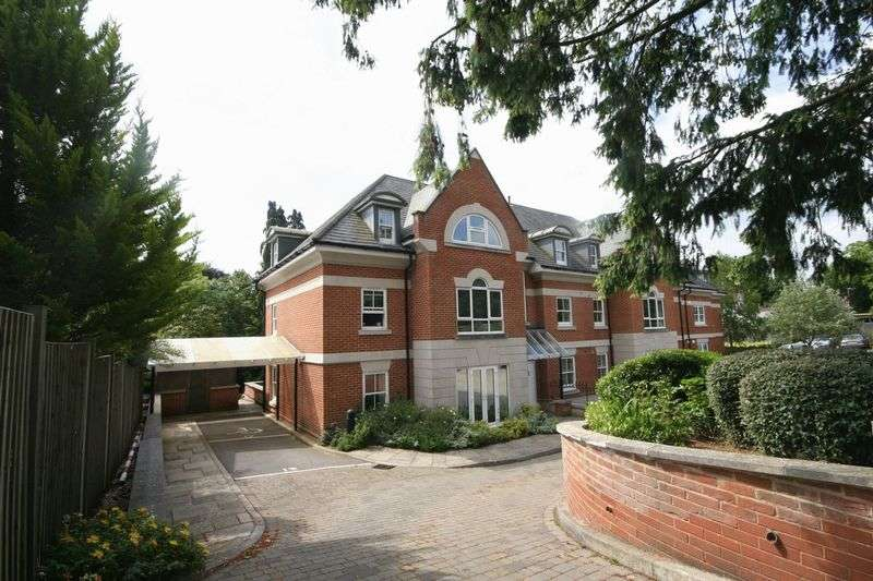 3 Bedrooms Flat for sale in Shortheath Road, Farnham