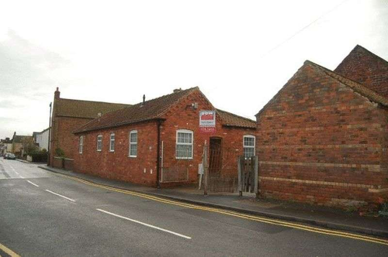3 Bedrooms Detached Bungalow for sale in High Street, Grimsby