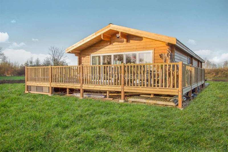 2 Bedrooms Log Cabin Character Property for sale in Hoby Road, Asfordby, Leicestershire