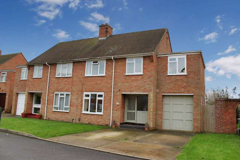 4 Bedrooms Semi Detached House for sale in Barley Close, Wallingford