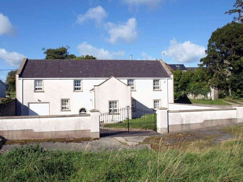 4 Bedrooms Detached House for sale in Detached House