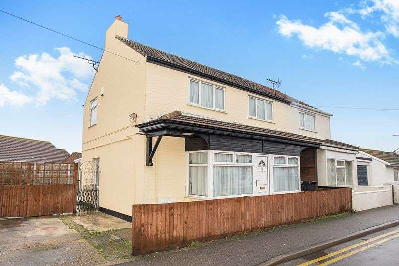 3 Bedrooms Semi Detached House for sale in Golf Road, Mablethorpe LN12