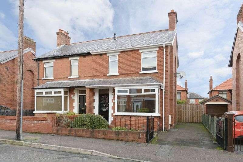 3 Bedrooms Semi Detached House for sale in 48 Loopland Crescent, Belfast, BT6 9EE